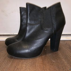 Madden Girl Black Ankle Boots Size 9.5
